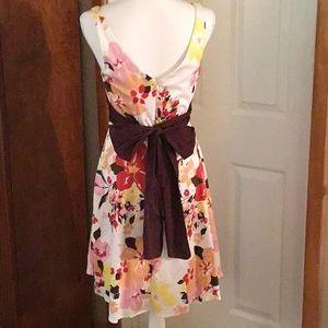 B. Smart Dresses - B. SMART FLOWERED DRESS. SIZE 10